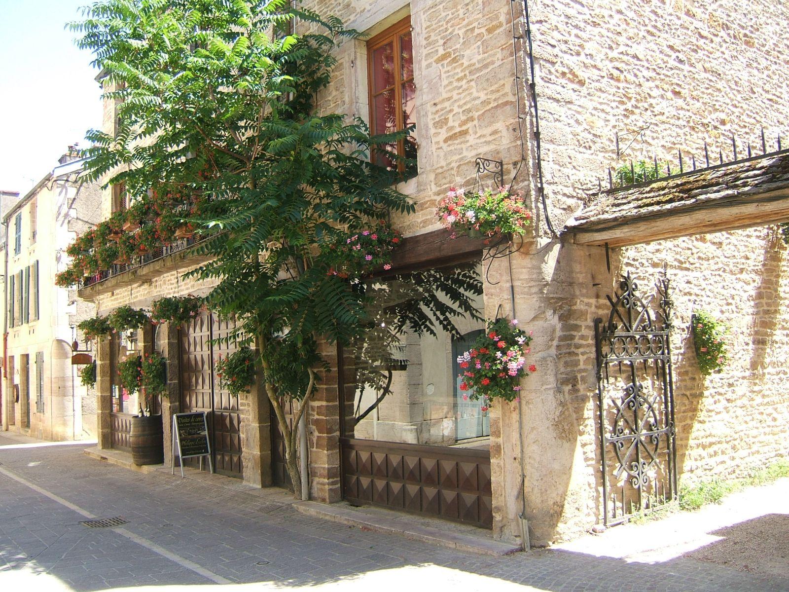 L association pastel en bourgogne - Lapeyre rue des halles ...